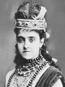 Аделина Алтыева - полная биография
